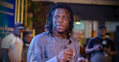 Samsung Officially Unveils Brand Ambassador Stonebwoy As It Launches New Galaxy A Series