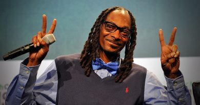 Snoop Dogg wins gospel category at BET Awards