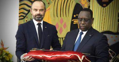 France returns historical sword to Senegal