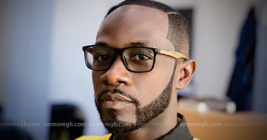 Most marriages collapsing because of partners' attachment to their phones – Okyeame Kwame